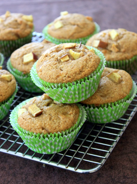 Apple Muffin 1 640px