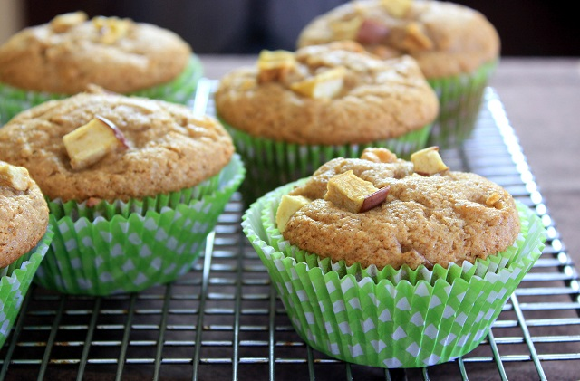 Apple Muffin 3 640px
